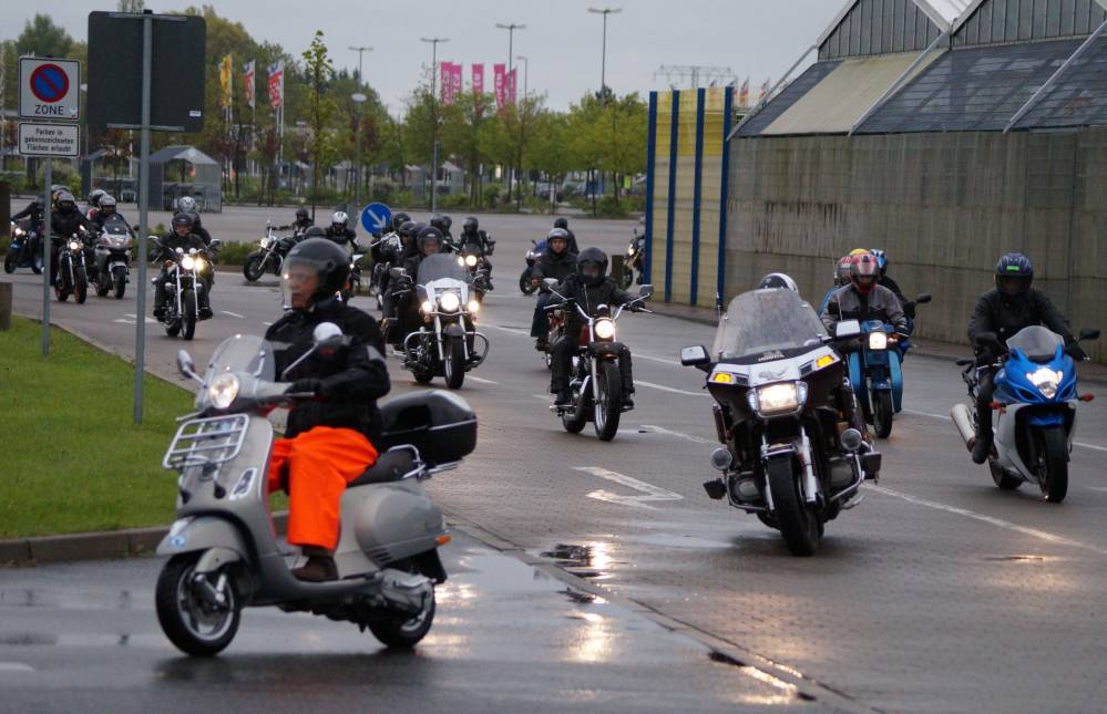 Sternfahrt von Rostock-Sievershagen zum 18. Bikergottesdienst 2015 in Bad Doberan