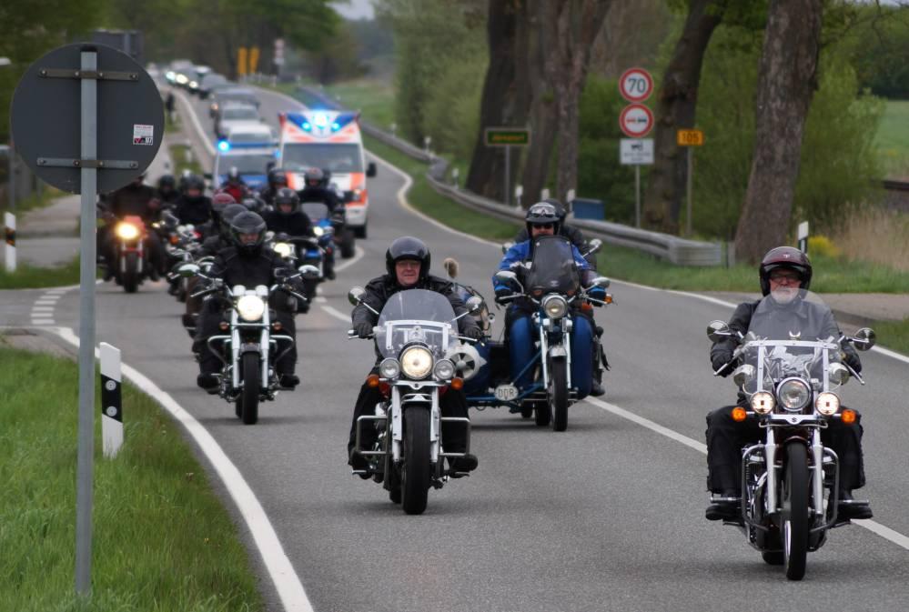 Ausfahrt des 18. Bikergottesdienst 2015 in Bad Doberan