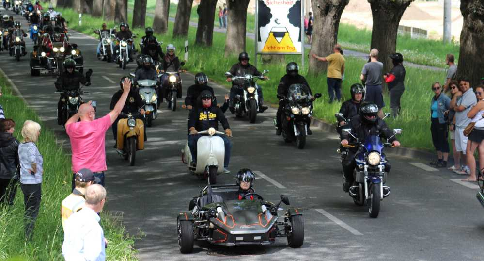 Motorradausfahrt beim 19. Bikergottesdienst 2016 in Bad Doberan