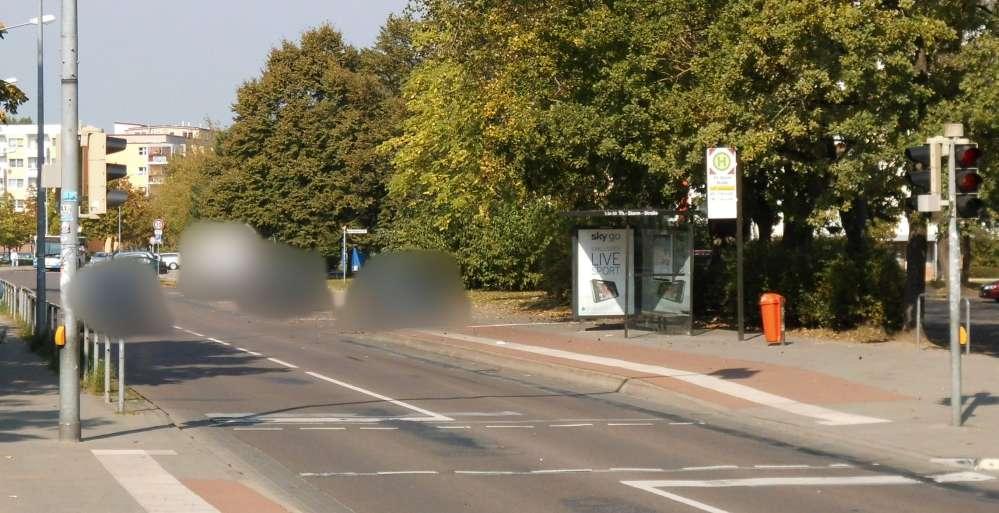 Blitzer-Marathon 2014 in Rostock neben einer Schule mit 30 km/h-Bereich