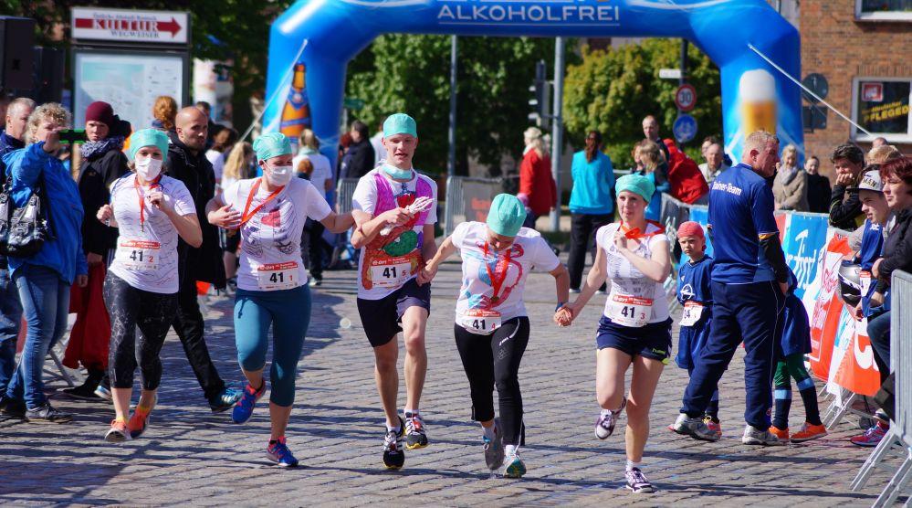 Staffellauf beim 23. Rostocker Citylauf 2015