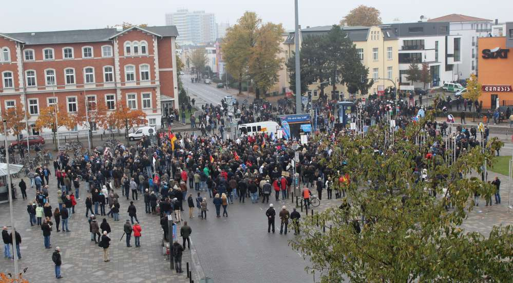 AfD-Demonstration in der Rostocker Innenstadt am 17.10.2015