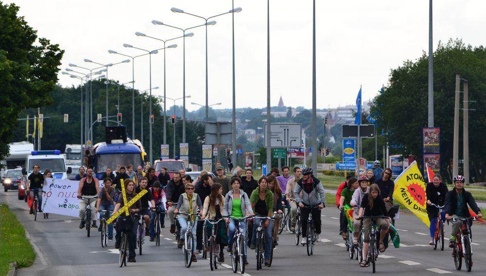 Fahrraddemo gegen Atomenergietransporte in Rostock