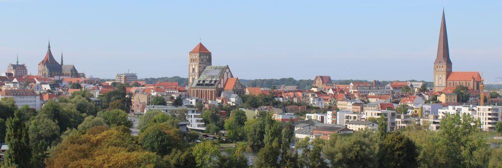 Aussicht vom 30-Meter-Kran an der Mühlendammschleuse am Tag des offenen Denkmals 2016 in Rostock