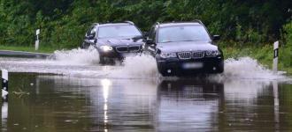 Überflutung durch Regen-Hochwasser in Rostock und Umgebung