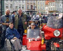 Siegrid Kersch, Ronald Schulz, Bernd Friedrich und Philipp Raffel bei der Jumbofahrt
