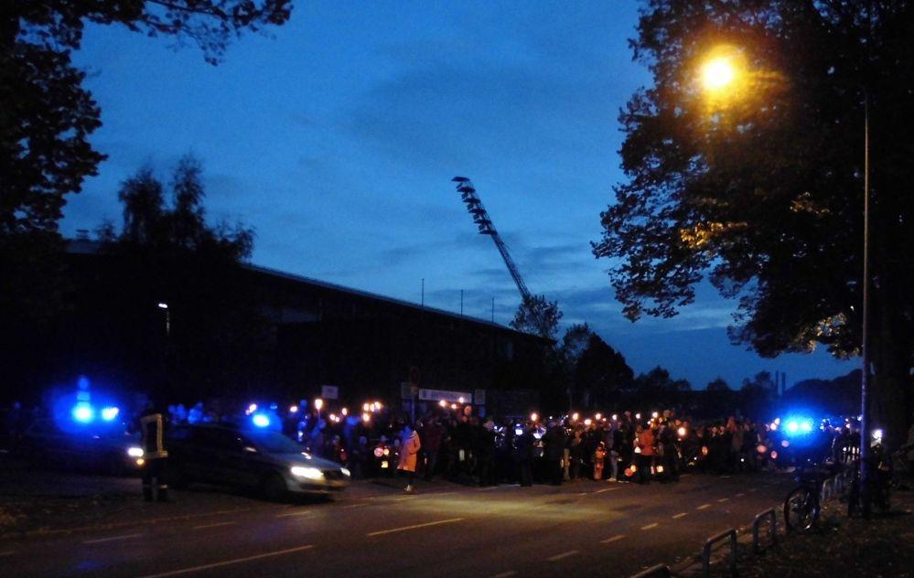 Lampion- und Fackelumzug im Hansaviertel der Hansestadt Rostock