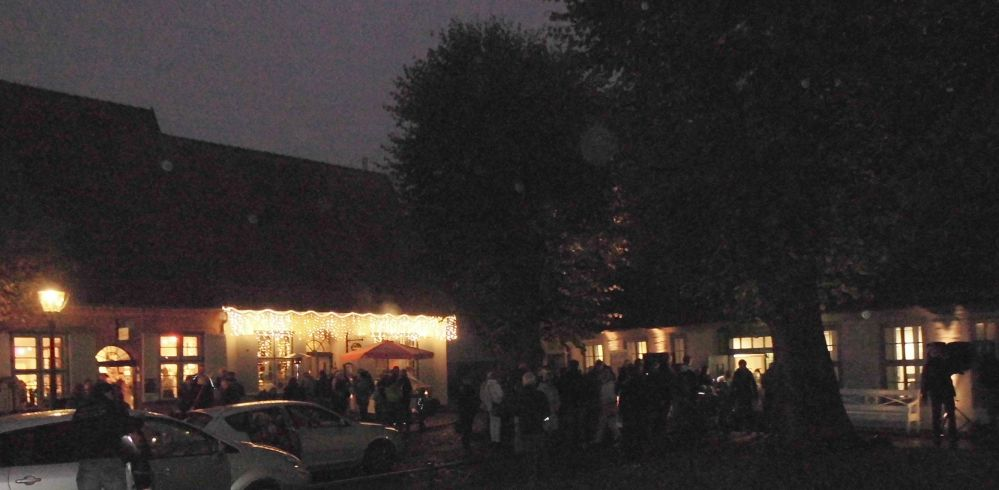 Lange Nacht der Museen 2014 - Kulturhistorisches Museum Rostock - Schlange stehen am Einlaß