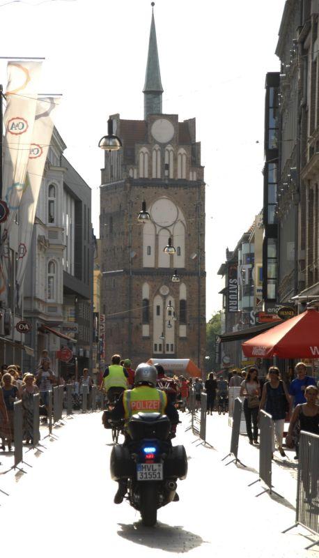 Kröpeliner Tor im Rostocker Stadtzentrum zur MarathonNacht Rostock 2013