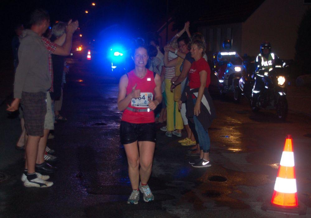 Marathon-Nacht Rostock 2013 - letzter Läufer