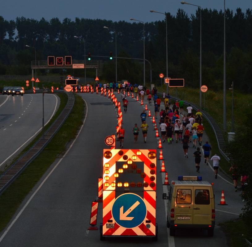 Marathon-Nacht Rostock - Sperrung für Läufer am Warnowtunnel