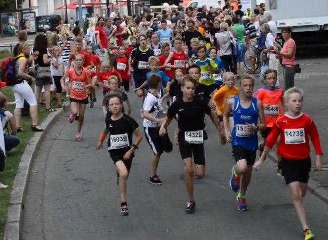 Schülerlauf der 12. Marathon-Nacht Rostock 2014