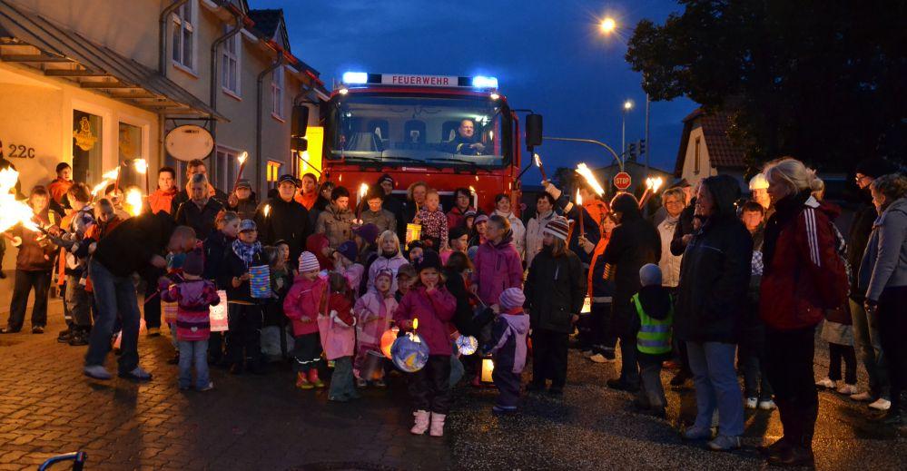 Oktoberfeuer mit Fackelumzug in Mönchhagen
