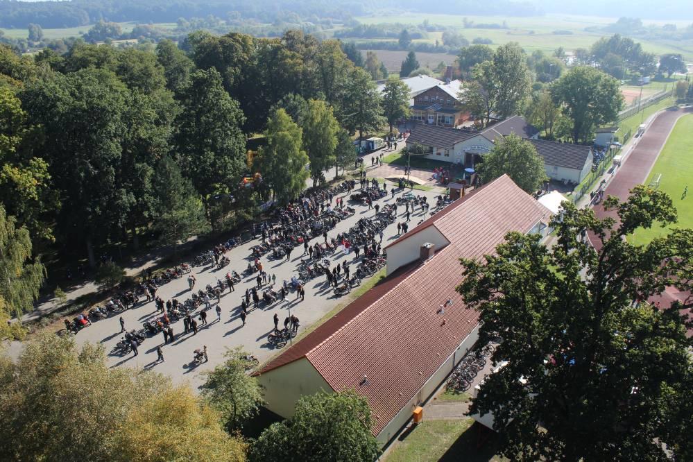 Luftbildansicht Zweirad-Oldtimertreffen Tessin 2015