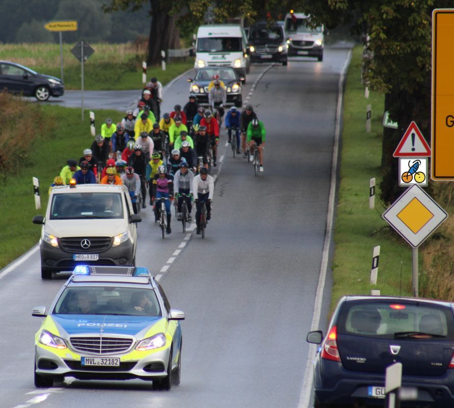 Rostocker Fahrradveranstaltung OSTSEE - RAD - KLASSIK 2015 unterwegs in Mecklenburg