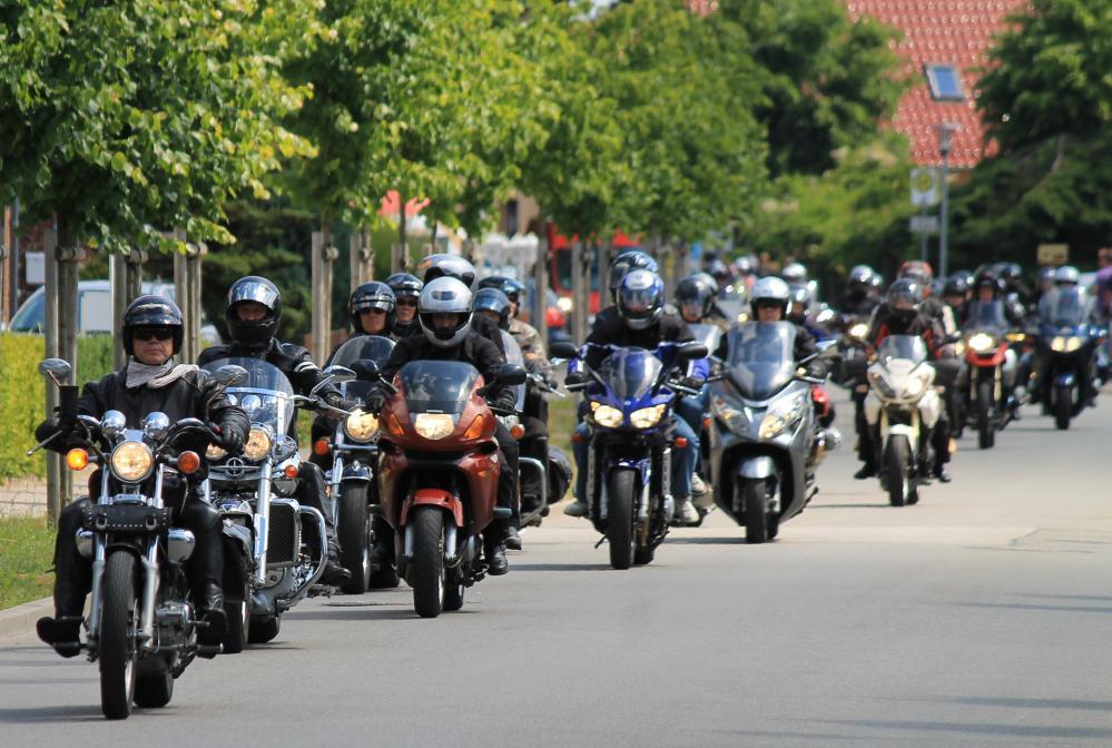 Pfingstausfahrt 2011 in Mecklenburg mit dem Motorrad vom Ostseebad Dierhagen nach Stralsund