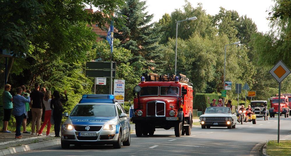 14. Schwanenrallye 2013 - Ausfahrt durch das Ostseebad Nienhagen zur Warnemünder Woche