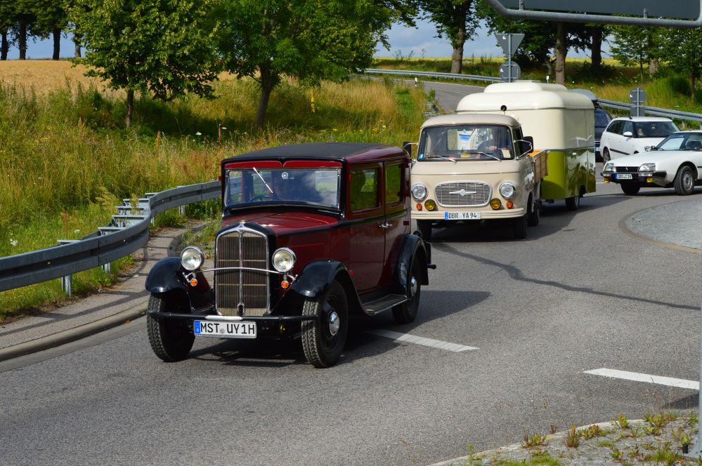 15. Schwanenrallye 2014 auf der Pferderennbahn Bad Doberan mit Ausfahrt durch den Landkreis