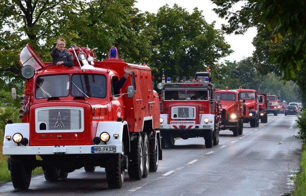 Ankündigung Nutzfahrzeug-Oldtimer-Treffen zur 25. Hanse Sail 2015