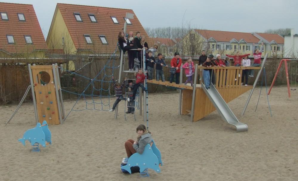 renovierter Spielplatz in Rostock-Evershagen