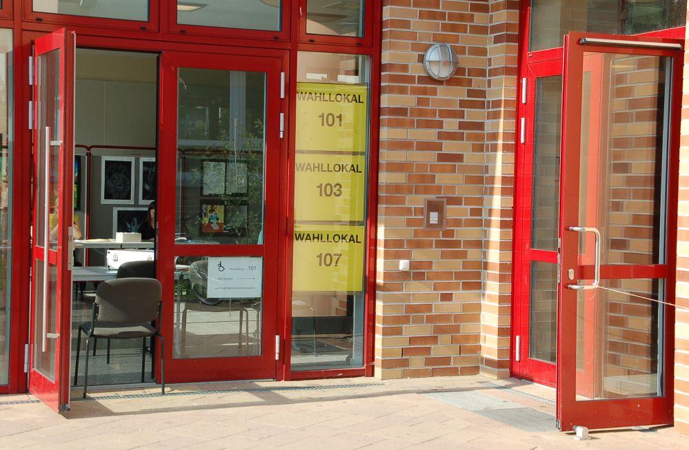 Wahllokal zur Europawahl und Kommunalwahl in Rostock 2014